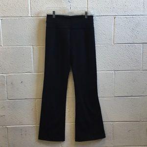 lululemon athletica Pants - Lululemon black groove pant sz 4 57451